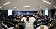 Tribunais são orientados a providenciar assentos para advogados na tribuna