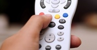 Claro deve devolver em dobro valores pagos por ponto extra de TV