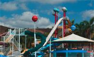 Parque aquático deverá indenizar por acidente em toboágua