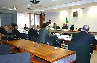 Juristas discutirão investigação, medidas cautelares e provas