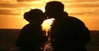 Band é condenada por exibição indevida da imagem de uma mulher beijando o ex-namorado