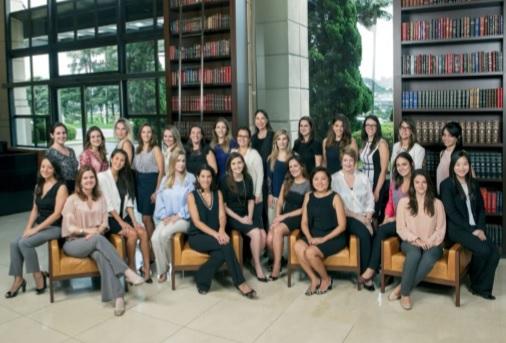 Pinheiro Neto recebe prêmio internacional por seus programas voltados à mulher advogada