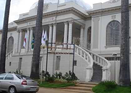Afiliada da Globo é alvo de série de ações indenizatórias de vereadores
