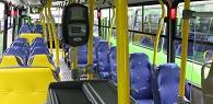 Idosa que caiu após arrancada brusca em ônibus será indenizada