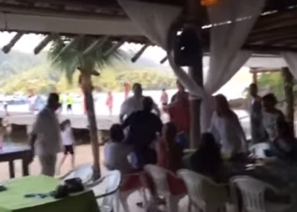 Delatores são hostilizados por população ao visitarem locais públicos