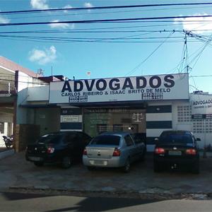 Na capital paraibana, João Pessoa, o escritório, designado centro jurídico, possui amplo estacionamento para os clientes.