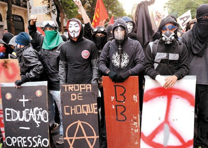 Proibição de máscaras em manifestações é tema de repercussão geral no STF