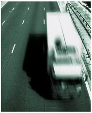 Concessionária não tem obrigação de remover veículo tombado à margem de rodovia, decide TJ/RS