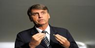Bolsonaro questiona MP do programa Mais Médicos