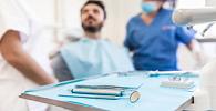 Dentista que utilizava espaço e materiais de clínica tem vínculo de emprego reconhecido
