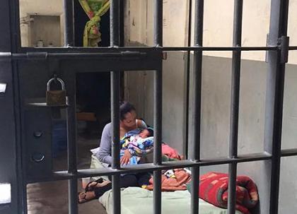 TJ/SP permite prisão domiciliar a mulher presa com recém-nascido