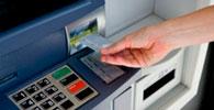 Banco deve indenizar vítima de fraude praticada dentro de agência