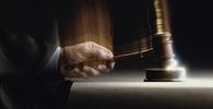 Juiz condiciona suspensão do processo à reparação do dano