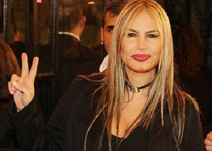 """Cantora Rosana, do hit """"como uma deusa"""", perde ação contra Wikipédia por biografia com idade"""