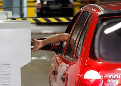 Lei de SP que obriga cobrança de estacionamento a cada 15 minutos é inconstitucional
