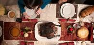 Consumidora que encontrou corpo estranho em bebida durante festa de Natal será indenizada