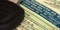 Detran/DF deve renovar CNH de motorista que tinha multa pendente em carteira temporária