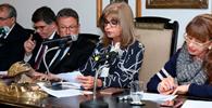 IAB se manifesta contra PEC que desobriga registro em conselhos profissionais