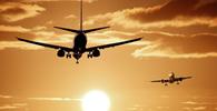 Passagem aérea cancelada antes de novas regras da pandemia enseja reembolso imediato
