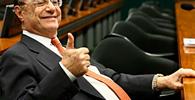 """""""Rouba, mas faz"""": Moradora é condenada por comparar síndico a Paulo Maluf"""