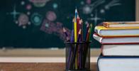 Tarefas antigas de ex-aluno ajudam professora a comprovar vínculo empregatício com escola
