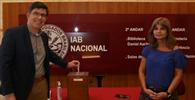 """Presidente reeleita para o IAB reforça papel da instituição contra """"atitudes fascistas"""" de Bolsonaro"""