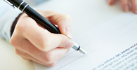 Assinatura falsa em contrato de segurada falecida afasta direito de indenização a beneficiária