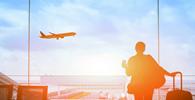 Extravio de bagagem após retorno de voo internacional não enseja dano moral