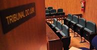 Julgamento no Tribunal do Júri com réu vestindo roupa de presidiário viola a Constituição