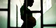 CCJ do Senado aprova troca de prisão por outras penas para grávidas e mães