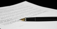 Condenação de seguradora por danos corporais de passageiro limita-se a valor previsto em cláusula