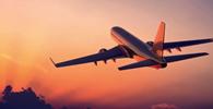 Decolar.com e cia aérea devem restituir pacote de viagem cancelado por coronavírus