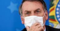 Bolsonaro amplia vetos e desobriga uso de máscaras em presídios