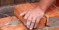 TST: Pedreiro não receberá adicional de insalubridade por contato com cimento